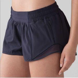 "🍋 NWT Lululemon Navy Hotty Hot Short (2.5"")"